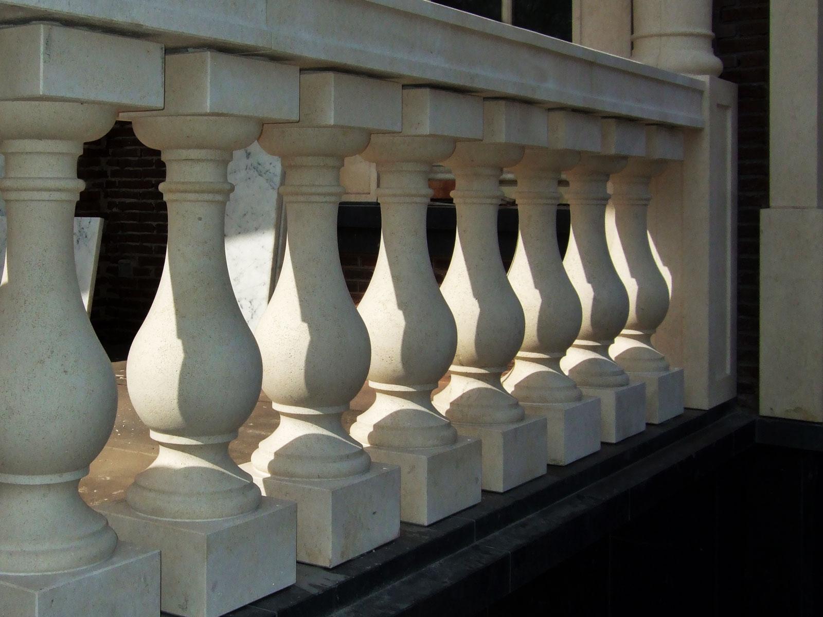 Loosdrecht villa balustrade