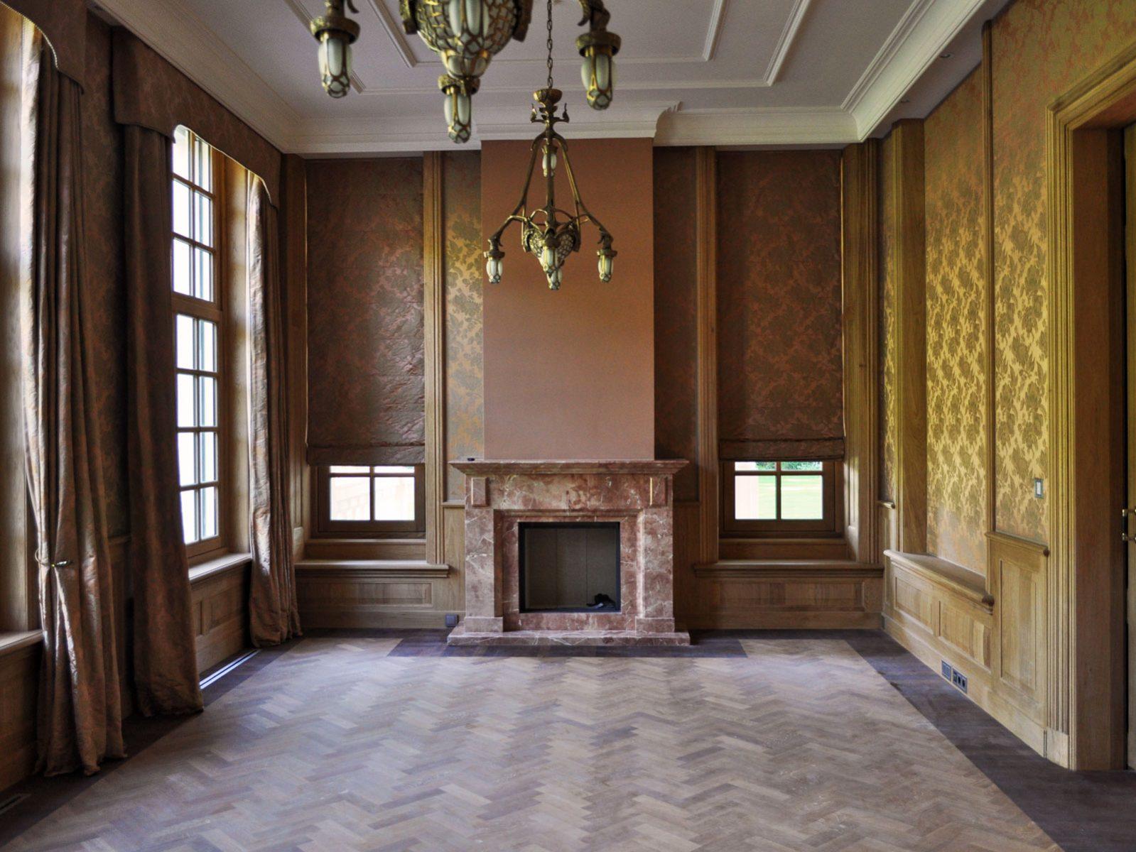Loosdrecht villa fireplace