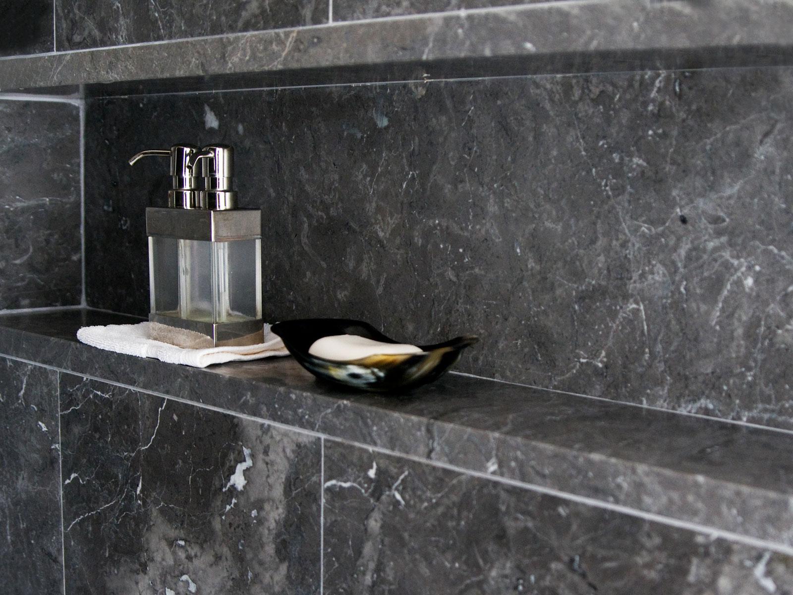 Villa in Waalre | Bathroom