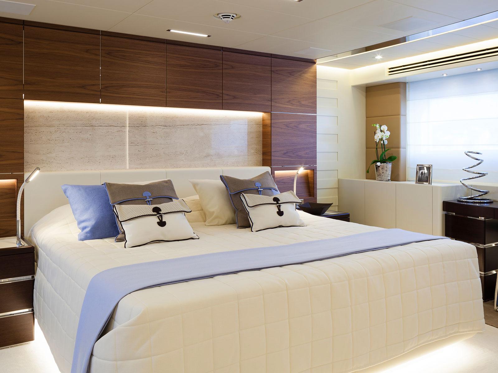 Amore Mio bedroom