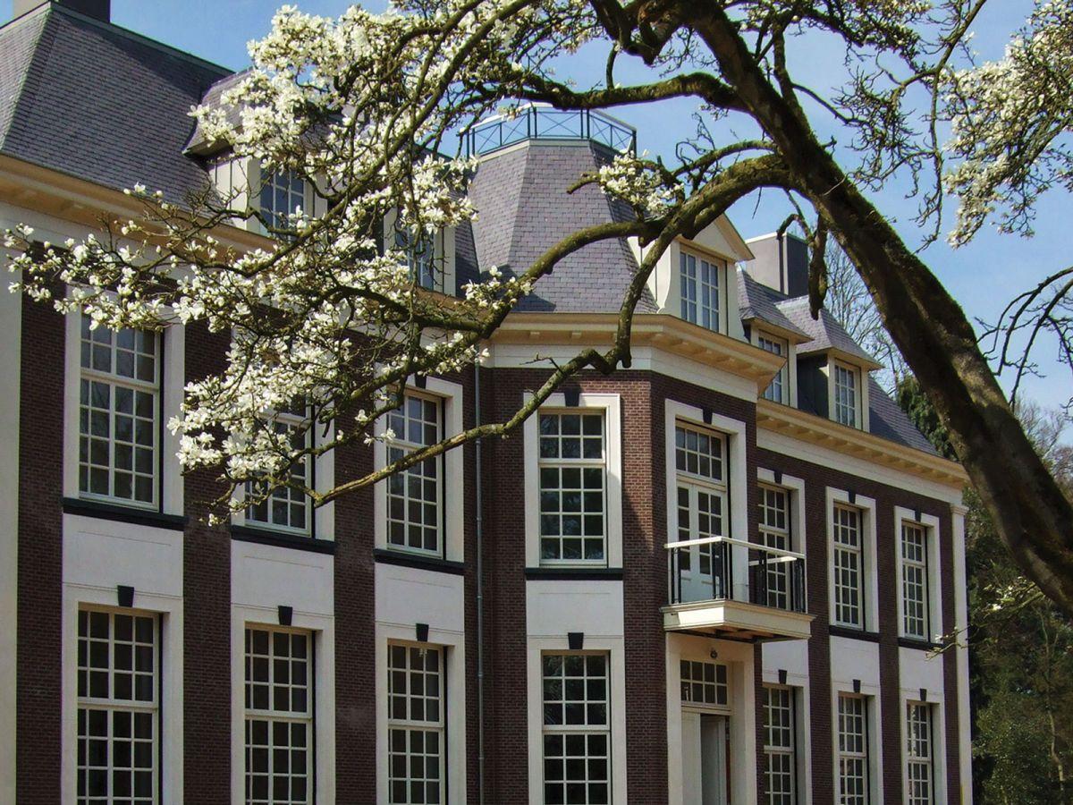 Loosdrecht villa exterior