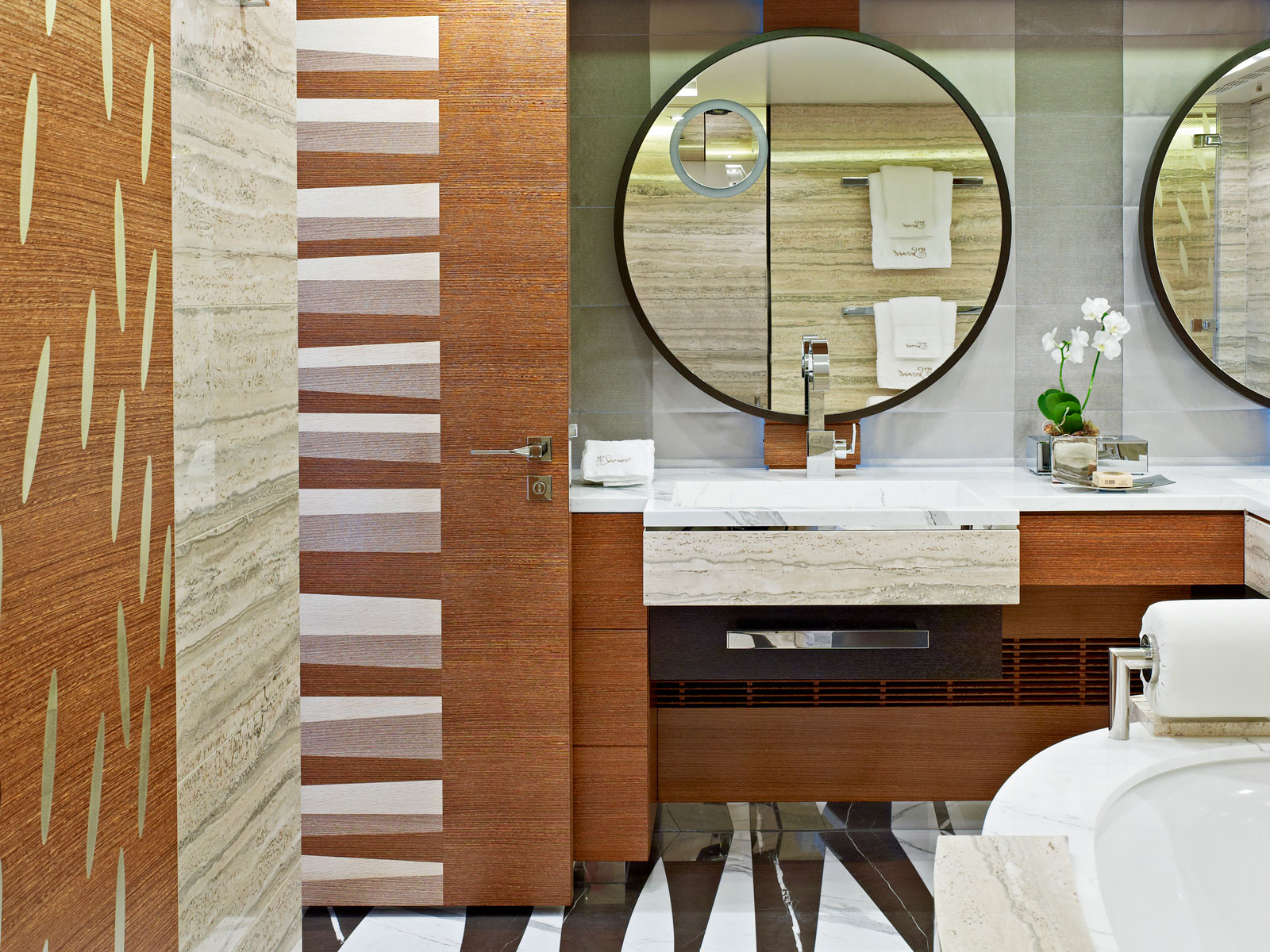 Superyacht My Secret master bathroom
